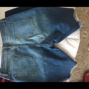 Fashion nova ripped shorts (khole 2 wash shorts)